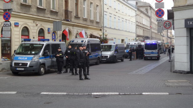 Policja na Chmielnej Mateusz Szmelter / tvnwarszawa.pl