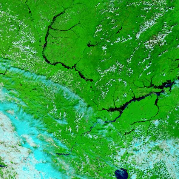 Amur wylewa, 21 sierpnia 2013 (NASA)