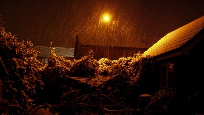 Pogoda na jutro: w nocy nad Polską zawisną chmury, z których spadnie śnieg przechodzący w deszcz