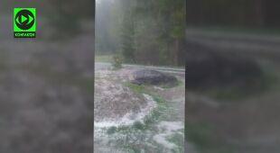 Burzom towarzyszyły opady gradu