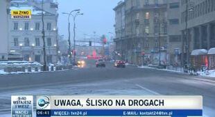 Poranek pod śniegiem w Warszawie (TVN24)